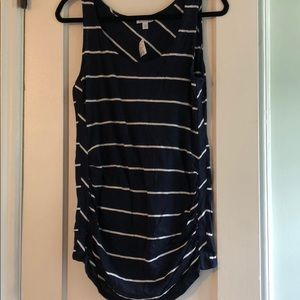 A pea in the pod striped navy tank